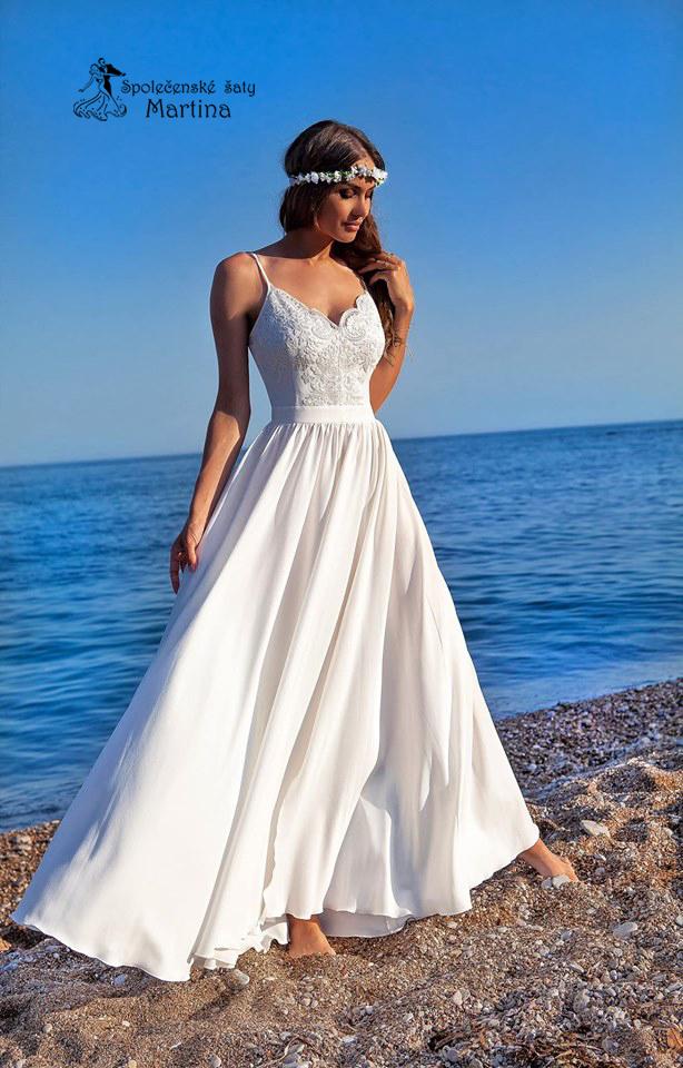 1127d226b459 Bílé svatební šaty