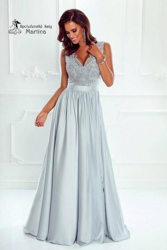 7f8a96ec318a Šedo-stříbrné společenské šaty